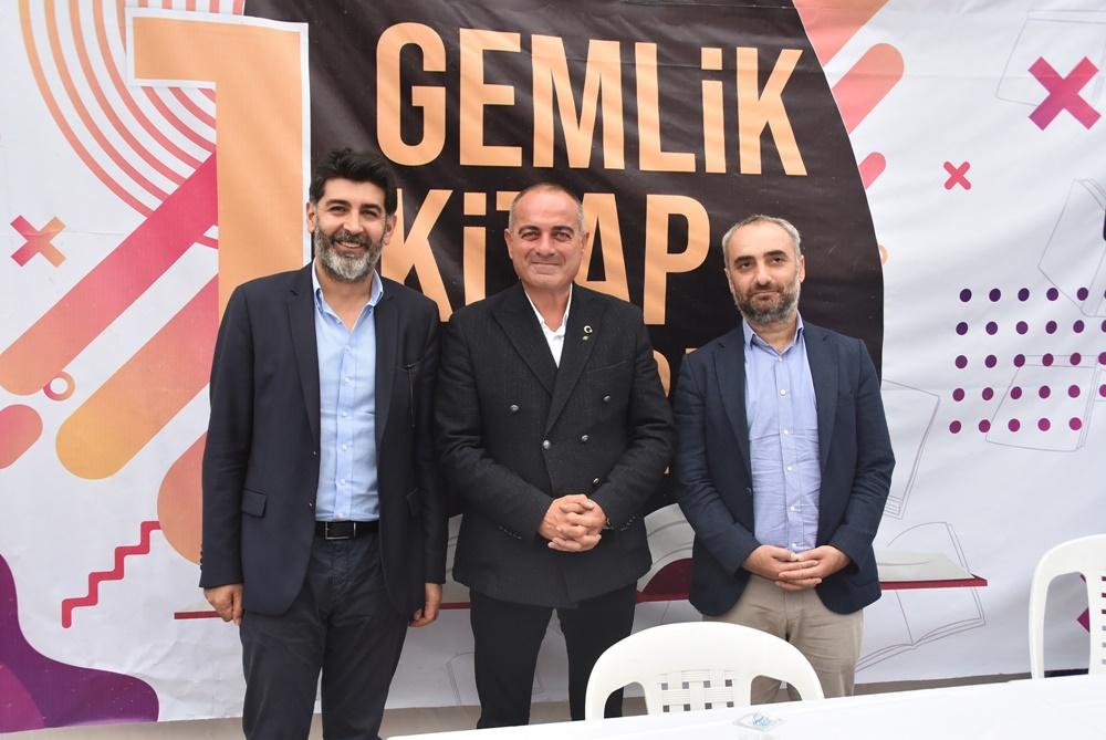"""Kitap Fuarı'nda """"Türkiye'nin Demokrasi Sorunu"""" söyleşisi yapıldı"""