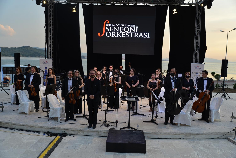 202106131324_amfi-tiyatroda-klasik-müzik-akşamı-(1).jpg