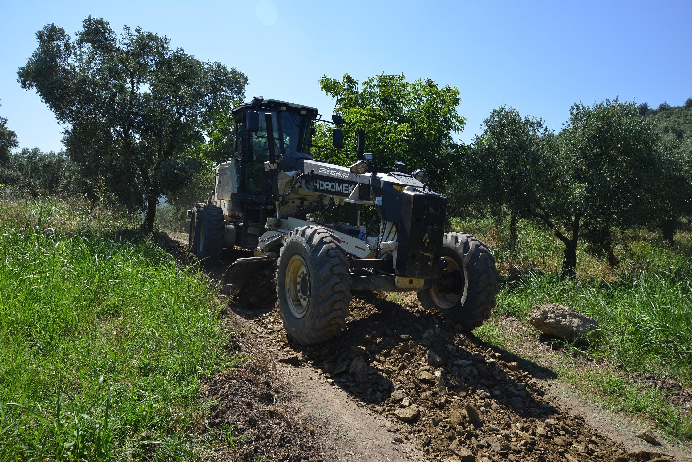 202107231045_gemlik-belediyesi'nin-tarıma-desteği-arazi-yollarıyla-devam-ediyor.jpg