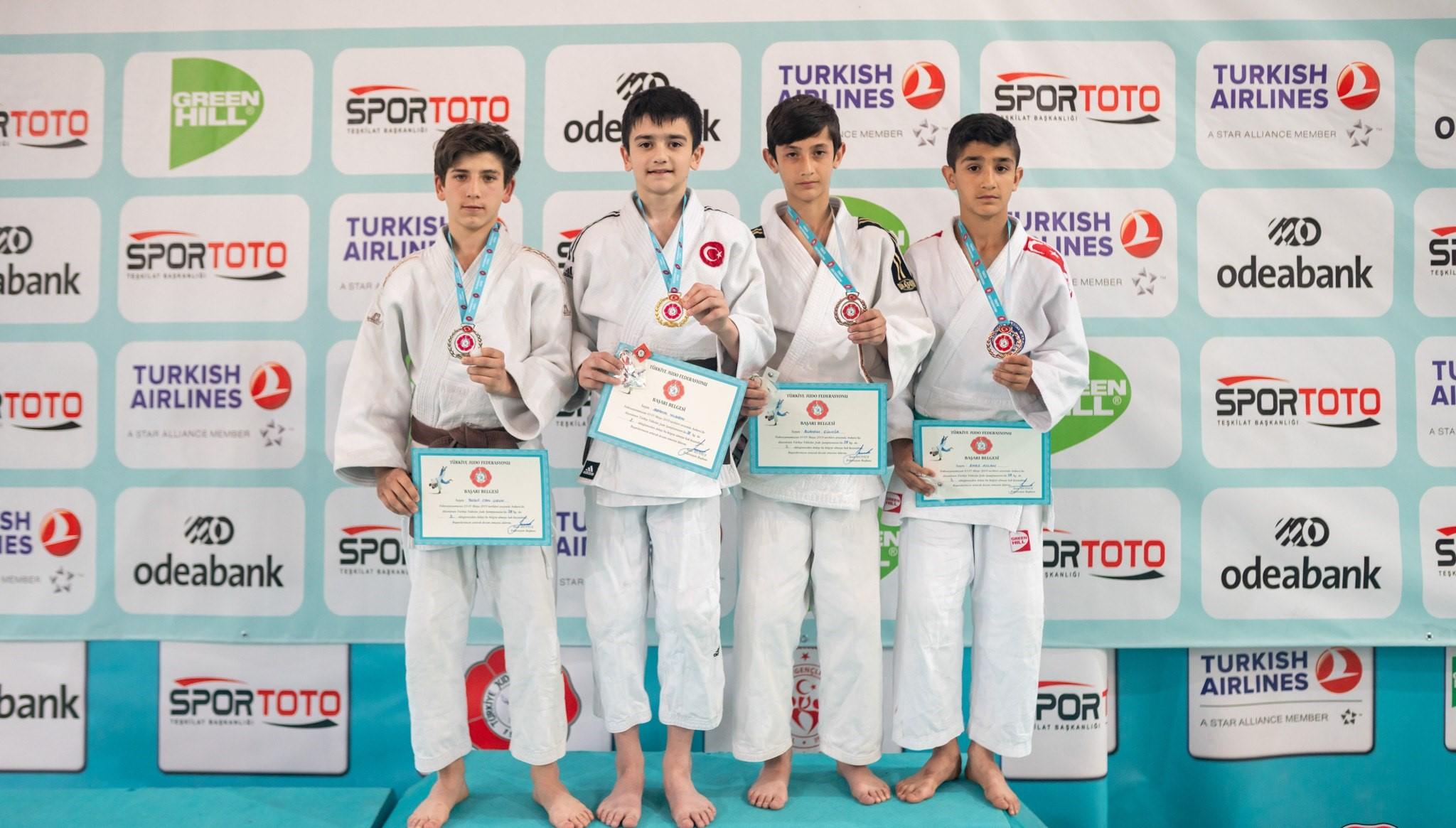 201905081439_judo-resimleri-(3).jpg