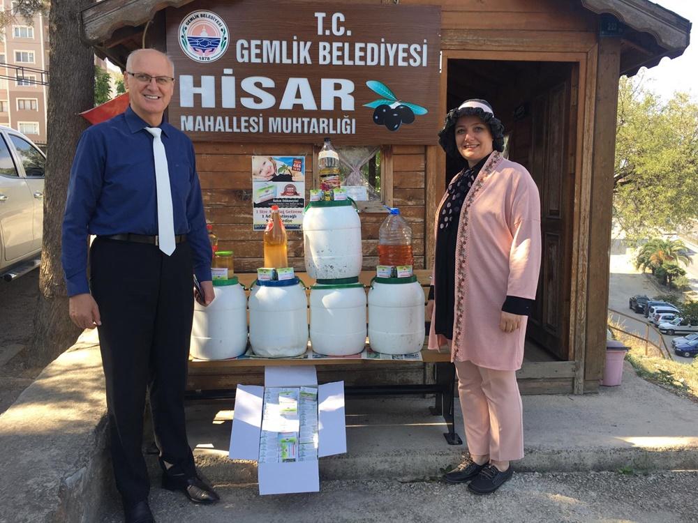 201910180830_zeytinyağlı-sabunlar-mahalle-sakinlerine-teslim-edildi-(1).jpeg