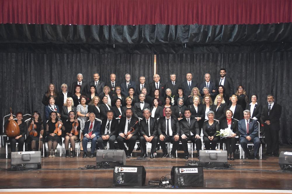 201911071227_cumhuriyet-konseri'nde-duygulu-anlar-(1).jpg