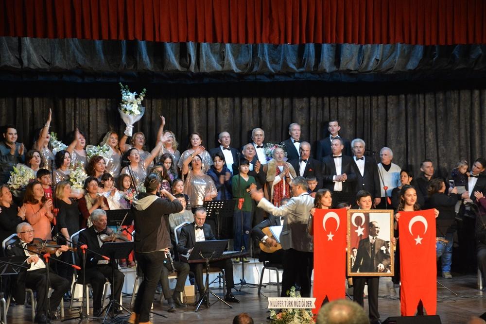 Türk Sanat Müziği Korosu tam not aldı