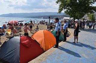 Kumla Sahili'ndeki Çadırlar Kaldırılıyor